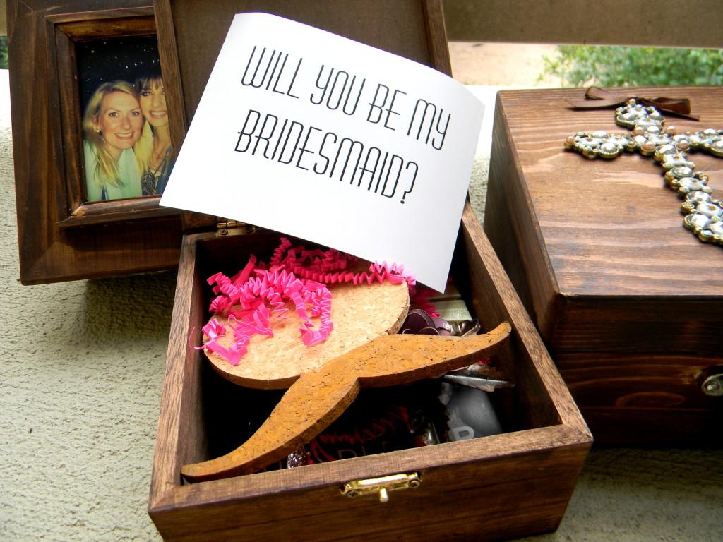 DIY Bridal Box - Mustache Style by Hi Lovely