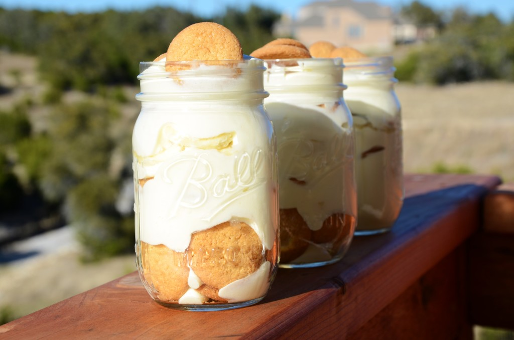 DIY Mason Jar Banana Pudding by Hi Lovely!