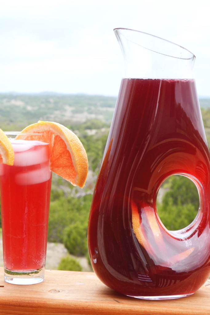 Simple Sangria Recipe by Hi Lovely