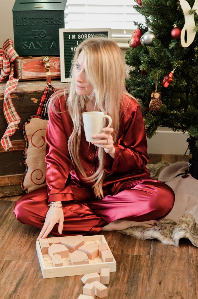 Hi Lovely Del Rossa Pajamas | Christmas Pajamas | Men or Women Pajamas and Robes